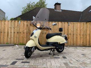 Grande Retro snor scooter